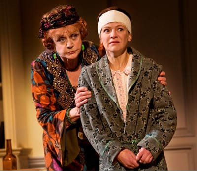 Angela Lansbury as Madame Arcati and Susan Louise O'Connor as Edith in the 2009 Broadway revival of Noël Coward's BLITHE SPIRIT. (P hoto by Robert J. Saferstein)