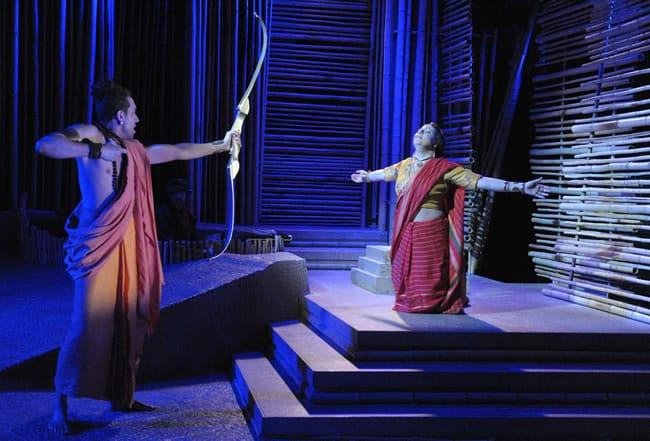 Michael Kevin Darnall as Paravasu and Katy Carkuff as Vishakha (Photo: Stan Barouh)