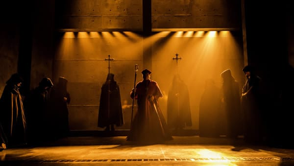 Company of Wolf Hall – West End, Aldwych (Photo: Johan Persson)