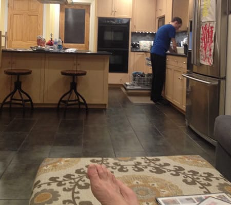 Critic relaxes at home while Brian Feldman performs Dishwasher, part of Capital Fringe. Click for more details