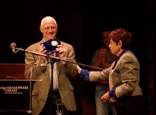 David S. Kessler receives the 2015 Gary Maker Audience Award from Alison Drucker (Photo: Ryan Maxwell)