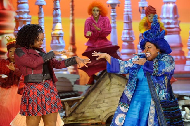 (l-r) Shanice Williams as Dorothy, Amber Riley as Addapearle in The Wiz Live! (Photo by: Virginia Sherwood/NBC)