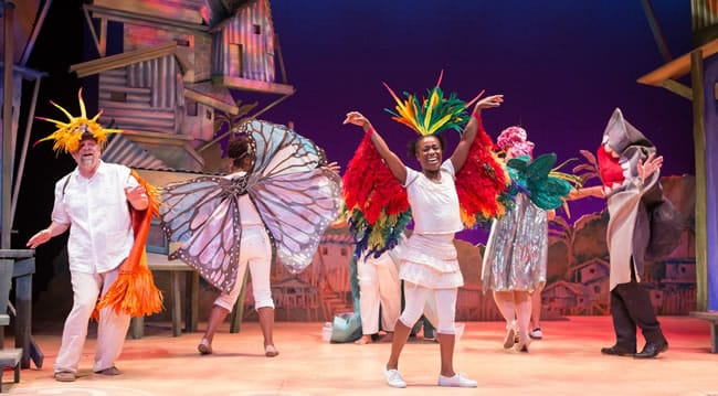 Felicia Curry flanked by cast members from the Kennedy Center's OLIVÉRio: A Brazilian Twist.( Photo: Teresa Wood)