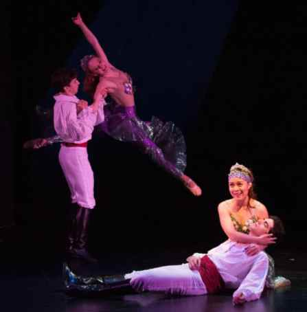 (l-r) Christopher Collins, Giselle MacDonald, Justine Icy Moral, and Tiziano D'Affuso in The Little Mermaid from Imagination Stage (Photo: Margot Schulman)