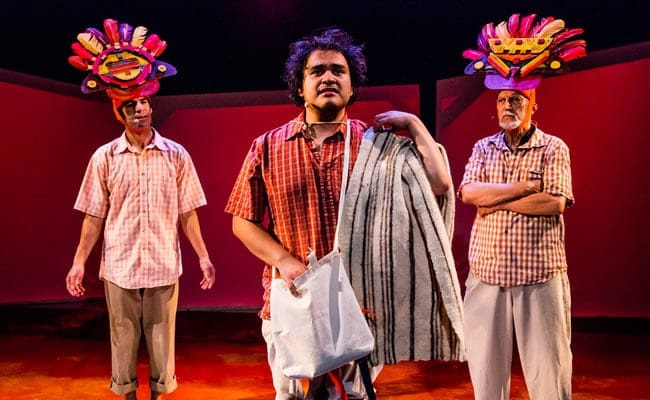 (l-r) Delbis Cardona, Chema Pineda Fernández, and Roberto Colmenares in Volcanoes- Tales from El Salvador at GALA Hispanic Theatre (Photo: Stan Weinstein)