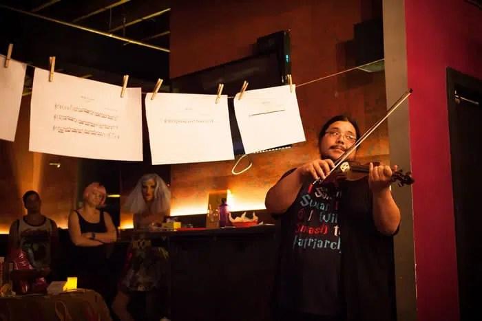 La Lectura del Tarot III en la Estrella de la Noche Cafe revisión - DC Escena de Teatro 2