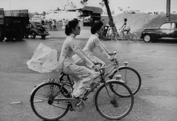 Phụ nữ Saigon những năm 1960. Nguồn:  by John Dominis / LIFE photo archive