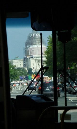 Messziről, buszról