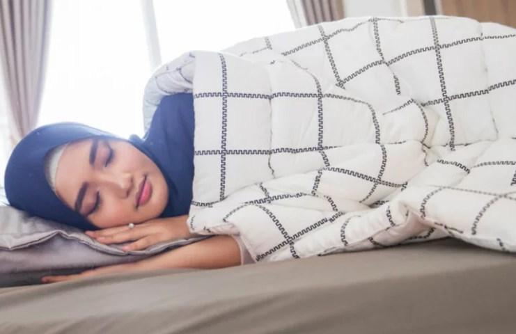 Adab Bangun dari Tidur