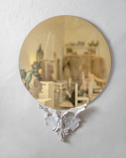 Ettore Sottsass, Alioth, 1983 | vetro soffiato, h 48 cm | Photo credit – Pariano Angelantonio, courtesy Memphis S.r.l | Memphis Milano collection