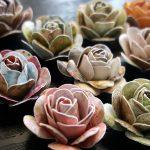ペーパーパンチで作るバラの花