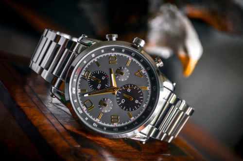 pawn a watch at pawnshop