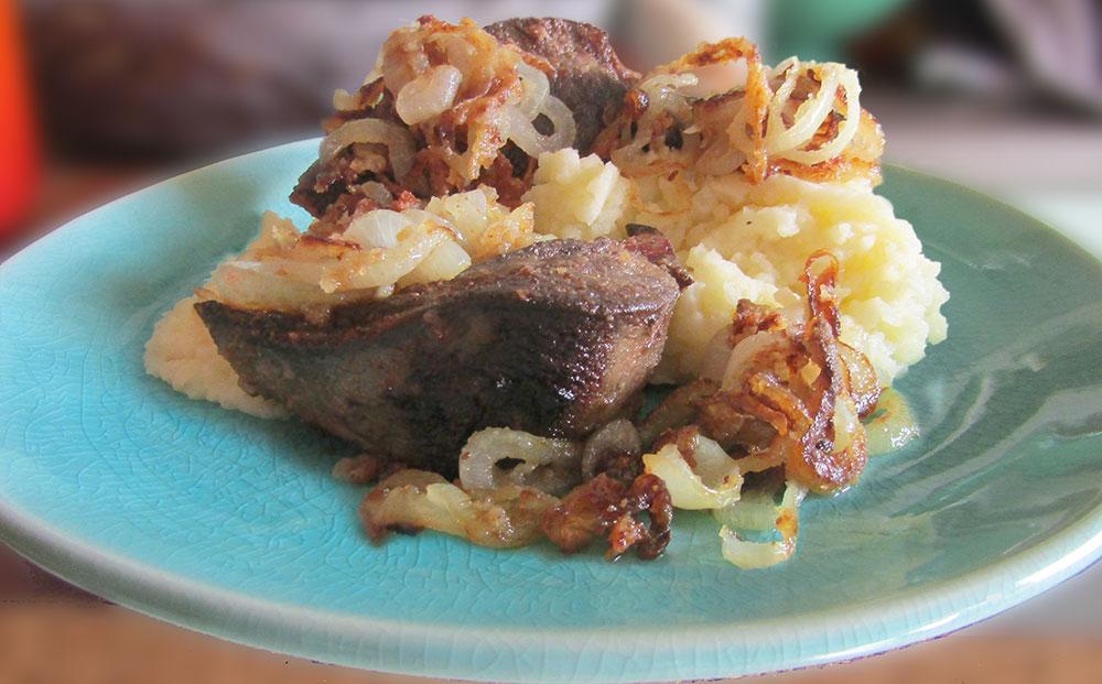leber-kartoffelbrei-roest-zwiebeln