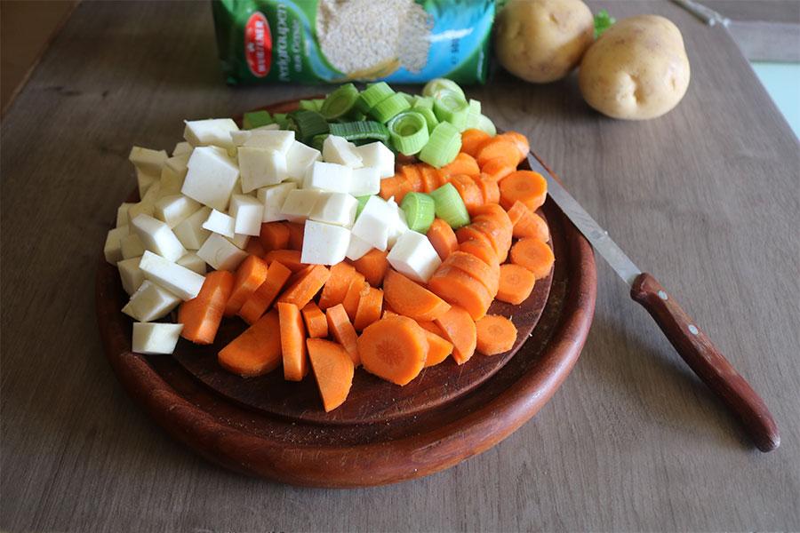 Omas Graupensuppe DDR Rezepte mit Gemüse