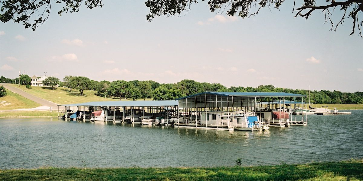 Photo of the White Bluff Marina