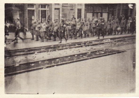 wegvoeren van Duitsers na de bevrijdng 1945