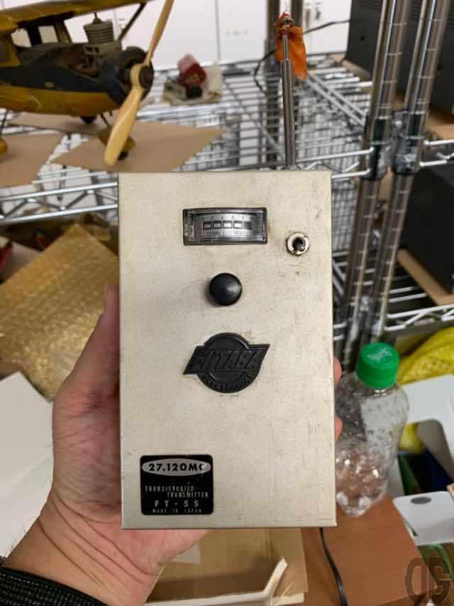 初期のFUTABAのプロボ。シングルクリック、ダブルクリックなどボタン1つで命令を出していたそうです。