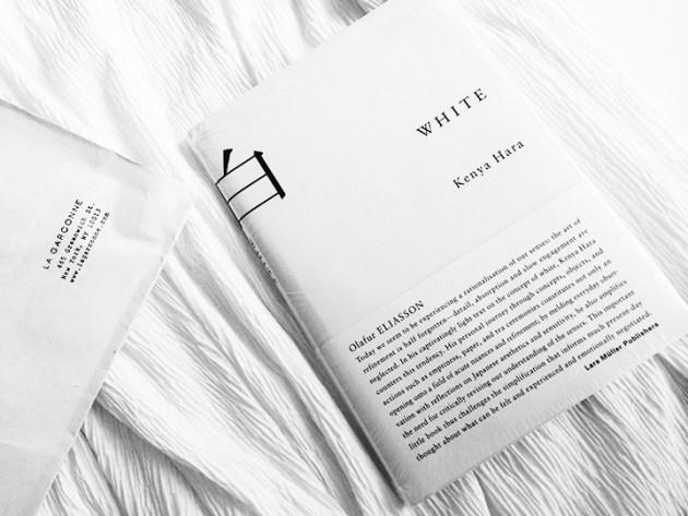 weekend-reading-book-white-by-kenya-hara-la-garconne-library-desmitten