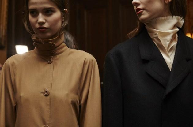 best-of-fall-2016-paris-fw-lemaire-fringe-scarf-desmitten