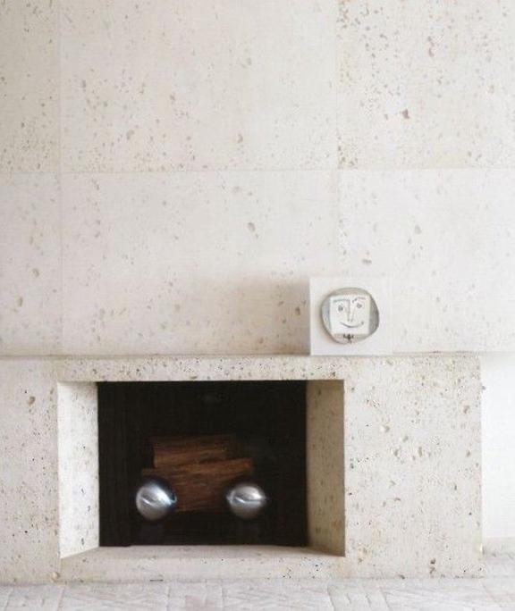 interior-inspiration-minimalist-fireplace-Ultramodern-Samuel-Marx-desmitten