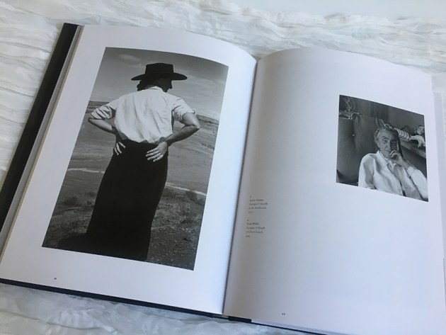 weekend-reading-georgia-o'keeffe-and-the-camera-the-art-of-identity-2-desmitten