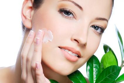 Nähren und pflegen Sie Ihre Haut für ein strahlendes Aussehen