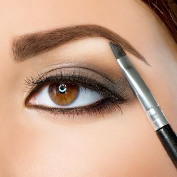 Vermeiden Sie Infektionen bei Permanent Make-up