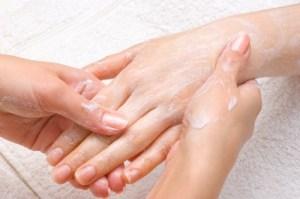Rissige, geschwollene oder juckende Finger: Geheimnisse um diese zu heilen