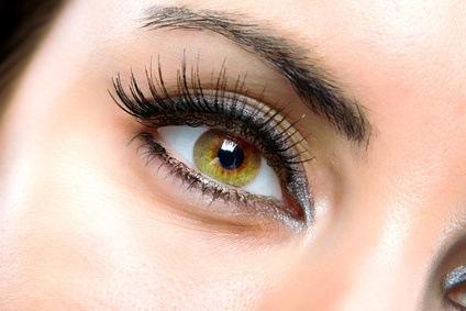 Müde Augen: natürliche Heilmittel zur Beseitigung