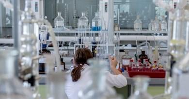 Themenseite: Chemie-Industrie