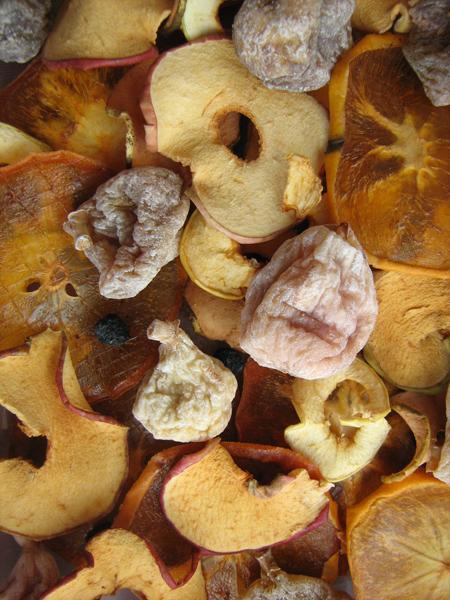 Getrocknete Früchte und Beeren