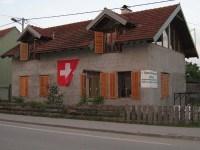 1. August unser Haus mit Schweizer Fahne