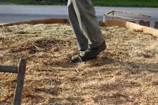 Heizen mit Biomasse - DIY mit wenig Geld Heizung bauen (Teil 1/4) gut festtreten