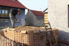 Heizen mit Biomasse - DIY mit wenig Geld Heizung bauen (Teil 1/4) m Rechen verteilen