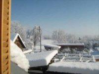 Wintereindrücke Permakultur Garten im Schnee, Blick aus Fenster