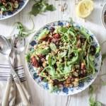 Quinoa-Kichererbsen Salat mit Sonnengetrockneten Tomaten