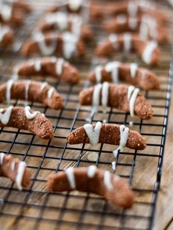 Gesunde Plätzchen: Schoko-Vanillekipferl mit weißer Schokolade