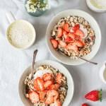 Zitroniges Birchermüsli mit Erdbeeren und wieso wir mehr über Darmgesundheit sprechen sollten
