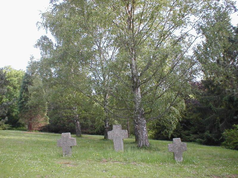 Datei:Ehrenfriedhof-heilbronn-mai2004.jpg