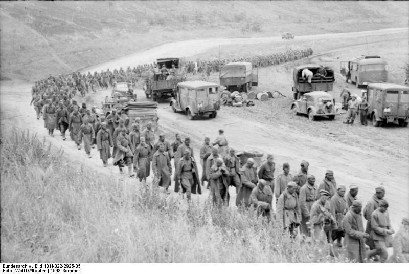 Datei:Bundesarchiv Bild 101I-022-2925-05, Russland, Unternehmen 'Zitadelle', Kriegsgefangene.jpg