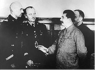 Datei:Dezember 1941 - Anders,Sikorski,Stalin.jpg