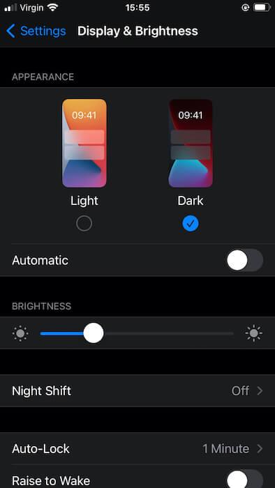 Sie können den Dunkelmodus auf Ihrem iPhone oder iPad planen.