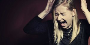 screaming_20woman_20smaller_6.jpg