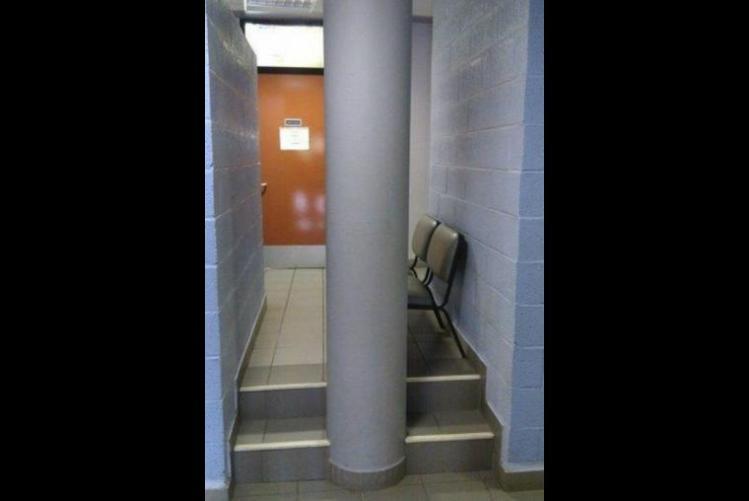 columna, escalera, errores épicos, albañiles, construcción, maestro, albañilería, mala planeación, arquitectura,