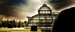 Picture of an elaborate greenhouse Noir