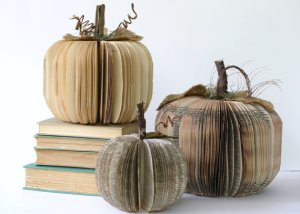 Book Pumpkins by Hanna Gritton (Etsy)