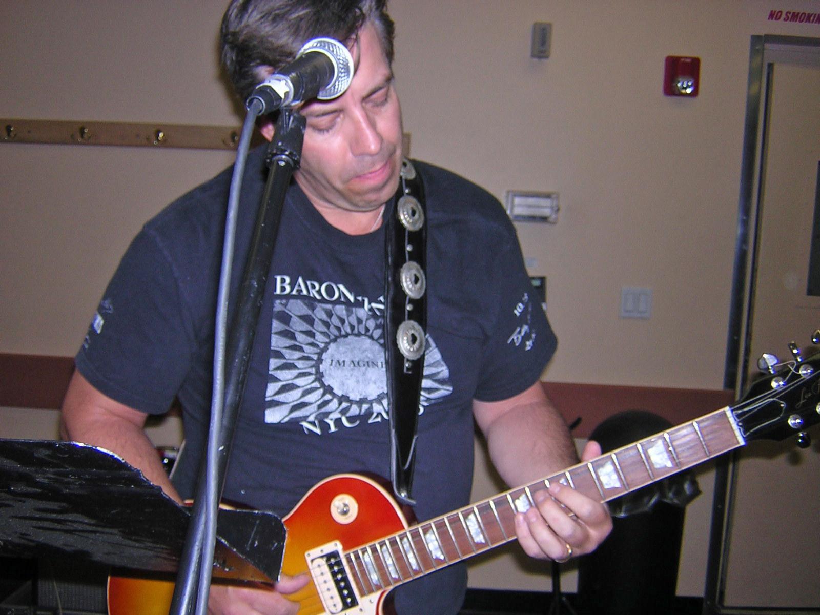 Bruce and his Les Paul