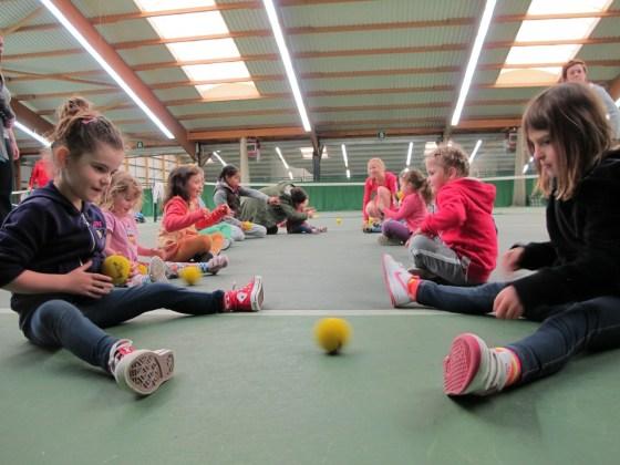 deaf_parents_deaf_children_tennis_2012_ball work