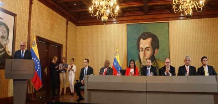 Gobierno de Venezuela y opositores arriban a acuerdos
