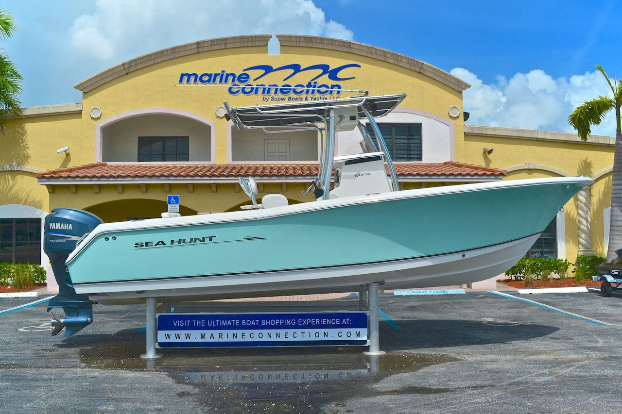 Used 2008 Sea Hunt Triton 240 Center Console Boat For Sale